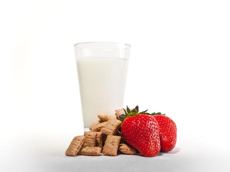 سریال صبحانه ولوتینا با شیر و توت فرنگی